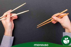 Wie Sie mit Essstäbchen Ihr Sushi zur Geltung bringen