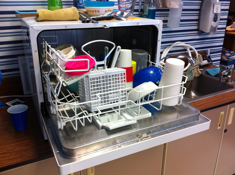 platos plásticos lavavajillas
